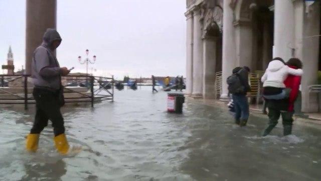 Gjendje alarmi në Venecia! Përmbytja më e madhe në 50 vitet e fundit