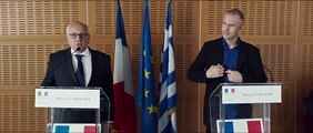 ADULTS IN THE ROOM - Extrait « Yanis & Michel »