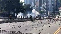 Hung Hom ( Hồng Khám ), Hong Kong ~11h ngày 17/11/2019 (GMT+8): Bên ngoài Đại học Bách khoa Hong Kong ( The Hong Kong Polytechnic University ): Khói lửa... - 4