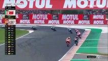 MotoGP'de İspanya etabında korkunç kaza: Havada takla attı