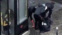 Ils explosent la vitrine d'un bijouterie avec une masse à Paris en pleine journée