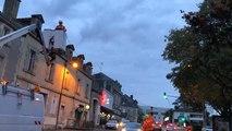 Pays de la Loire. Installation des illuminations à Fontenay-le-Comte