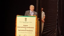 Bill Gates emphasizes effects of climate change on agriculture