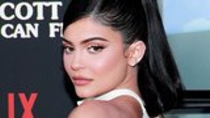 Kylie Jenner Sells Major Portion of Kylie Cosmetics to Beauty Empire Coty | THR News