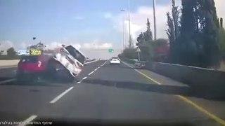 VÍDEO: por esto es por lo que tienes que llevar siempre el cinturón de seguridad puesto