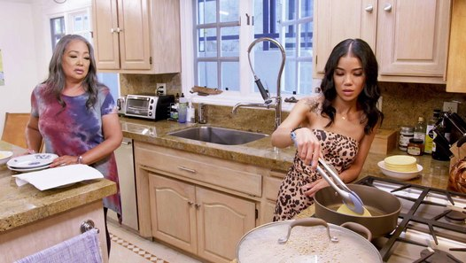 Jhené Aiko T-Pain Talk About Family While Cooking With Their Moms | Made From Scratch - video dailymotion