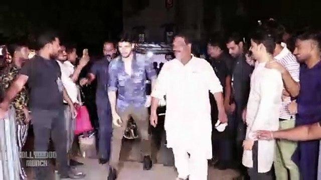 Sidharth Malhotra & Riteish Desmukh Visit Gaiety Galaxy For 'Marjaawaan'