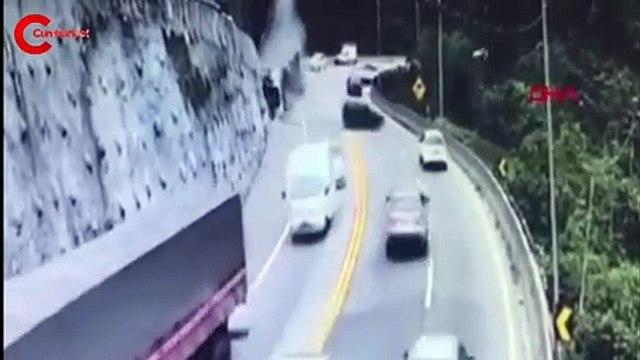 Virajı alamayan akaryakıt tanker alev aldı!