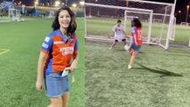 Sunny Leone played football in a cricket stadium | FILIMIBEAT kannada