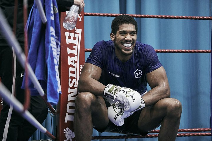 Anthony Joshua In Camp - #3 PAD WORK