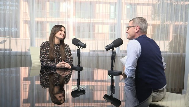 Idina Talks 'Frozen 2,' 'Uncut Gems' and How 'Let It Go' Has Helped Her in Life
