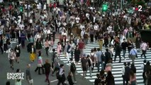 Japon, des prisonniers au pas