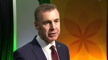 Plaid Cymru promises 'green jobs revolution'