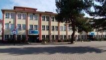 Fedakar öğretmenler ara tatilde okullarının tadilatını yaptı