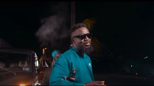 Sarkodie - Oofeetsɔ ft. Prince Bright [Buk Bak] (Official Video)