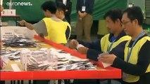 Récord de participación en las elecciones locales de Hong-Kong