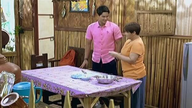 Phil, nagpaturo kay Nanay Marcy kung paano magluto ng adobo