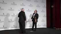 Haluk Bilginer, 47. Uluslararası Emmy Ödülleri'nde en iyi erkek oyuncu seçildi (2) - NEW