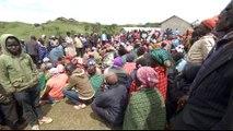 Kenya mudslides: Tens of thousands displaced in floods
