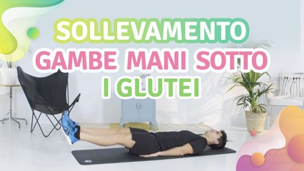 Sollevamento gambe: mani sotto i glutei - Vivere più Sani