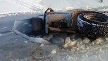 Ce russe peut dire adieu à sa voiture après avoir tenté de traverser un lac gelé