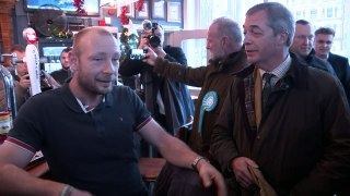 Farage visits Hull with local candidate Michelle Dewberry