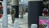 Hombre armado con cuchillo mantiene cuatro rehenes en Rio