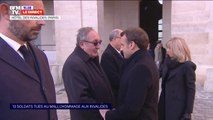 Le Président Emmanuel Macron arrive aux Invalides pour l'hommage aux 13 soldats français tués au Mali