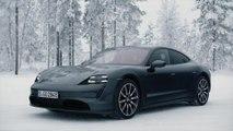 Porsche Taycan 4S Design in Volcano Grey
