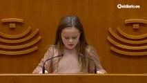 """Elsa, una niña trans, en la Asamblea de Extremadura: """"No permitan que nadie nos arrebate la felicidad"""""""