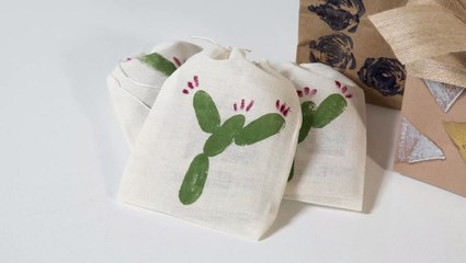 How to Make Cactus-Stamped Gift Bags