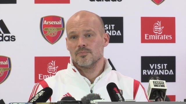 Arsenal - Ljungberg n'a pas encore appelé Wenger