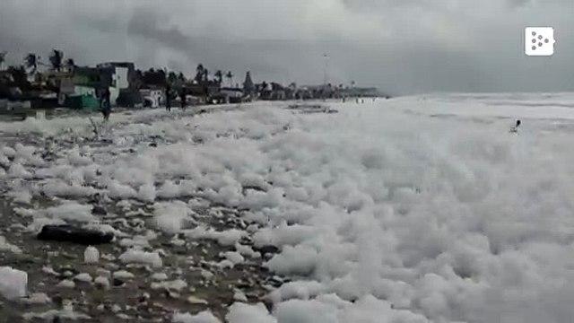 Toxic foam fills the Chennai beach in India