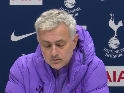"16e j. - Mourinho : ""Moussa Sissoko est meilleur en milieu relayeur ou à droite"""