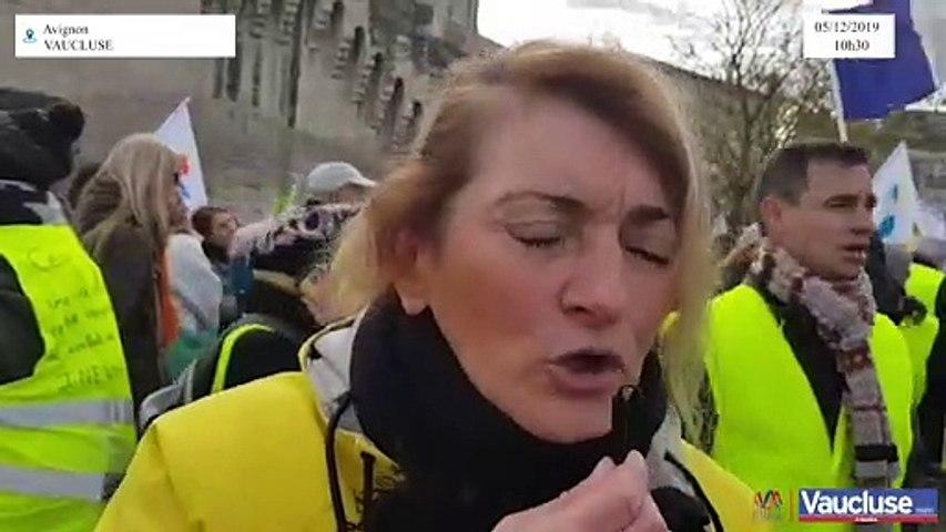 Grèves: Maya, gilet jaune