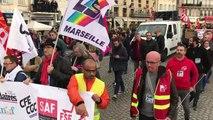 Le cortège se met en route à Marseille