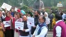 9 दिसंबर को नागरिकता बिल लोकसभा में पेश होगा; कांग्रेस का प्याज कीमतों को लेकर प्रदर्शन