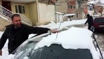 Çocuklar Kar Yağışının Tadını Kartopu Oynayarak Çıkardı