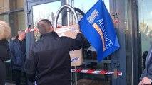 Saint-Brieuc. Les policiers bloquent symboliquement le commissariat