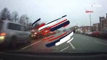 Test aracıyla trafiği birbirine kattı