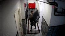 Televizyon hırsızları önce kameraya sora polise yakalandı