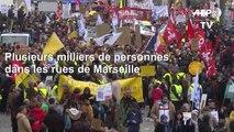 Retraites: mobilisation massive en France