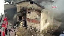 Sivas-afgan ailenin kaldığı ev, yangında hasar gördü
