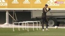 Gareth Bale mime du golf à l'entrainement du Real Madrid