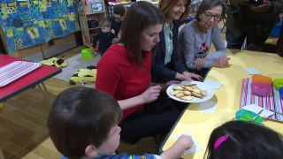 Jo Swinson visits playgroup in Hampshire