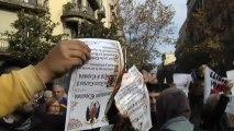 Los CDR queman la Constitución ante la Delegación del Gobierno en Barcelona