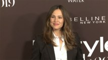 Jennifer Garner accidentally orders enormous Christmas tree