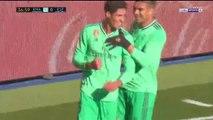 Raphael Varane abre el marcador para el Real Madrid ante el Espanyol