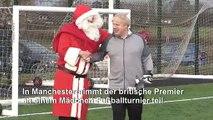Alles für die Wahl: Boris Johnson spielt Fußball