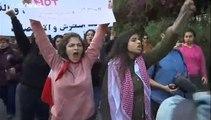 Cientos de mujeres se manifiestan contra los acosos sexuales y por la igualdad en el Líbano